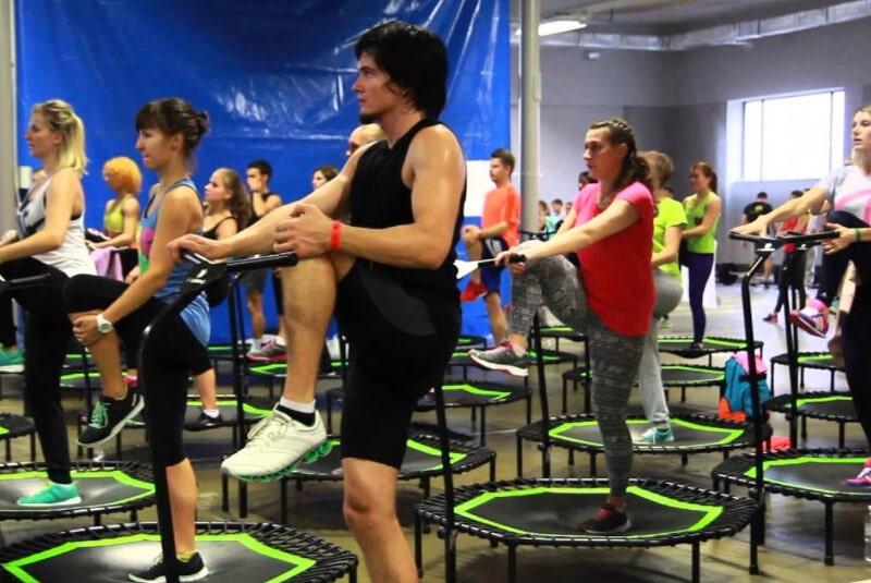 Mini trampoline workout & exercises
