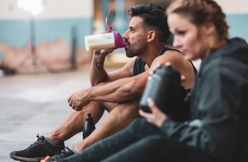 Does whey protein have any side effects?