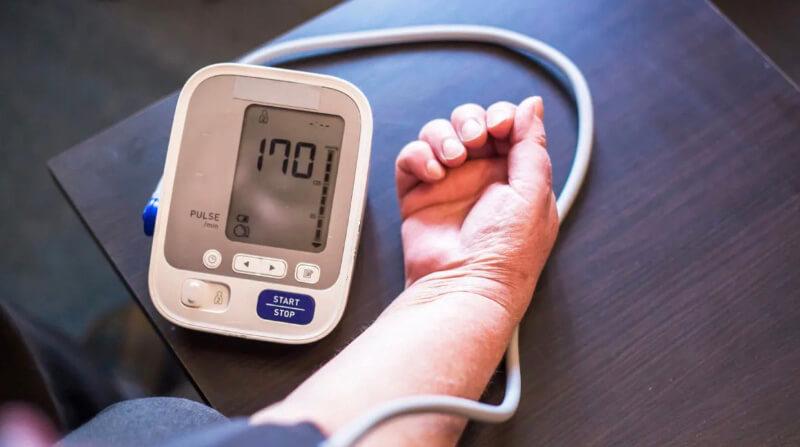 High blood pressure is a symptom of diabetes
