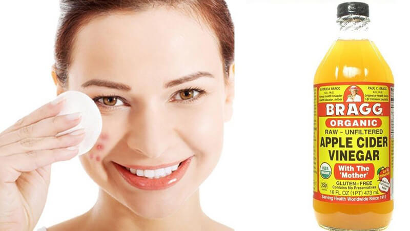 What effect does apple cider vinegar have on the skin?